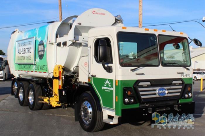 比亚迪纯电动环卫车在硅谷中心区运营