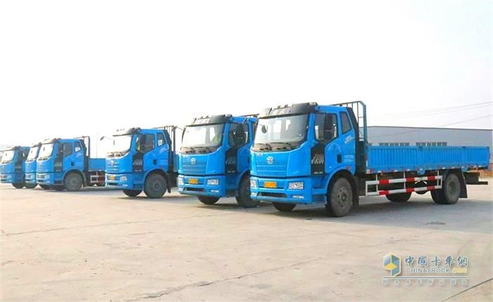 天津宇屹新材料科技发展有限公司使用的解放运输车