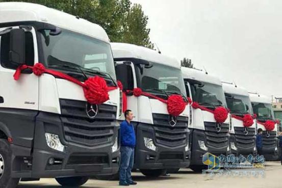 奔驰卡车 新Actros 牵引车