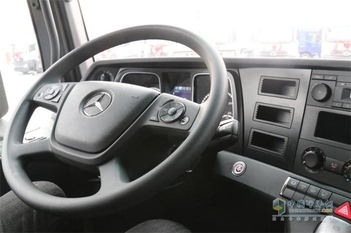 奔驰卡车带给客户的价值升级是全方位的!