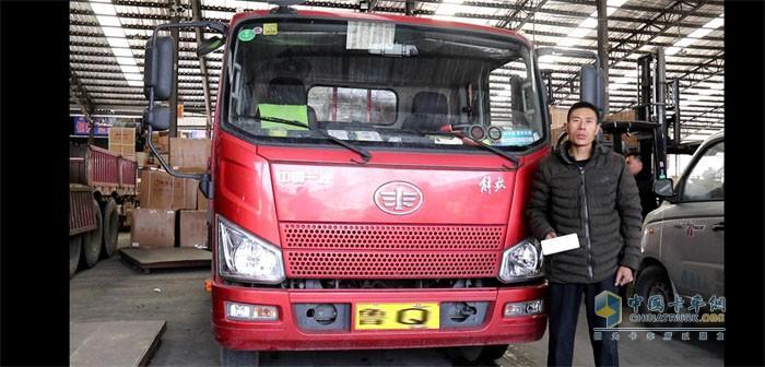 中国卡车网发现信赖活动采访王士营师傅