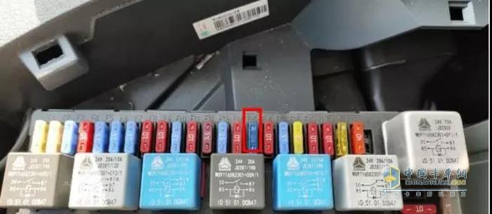 损坏的F15保险
