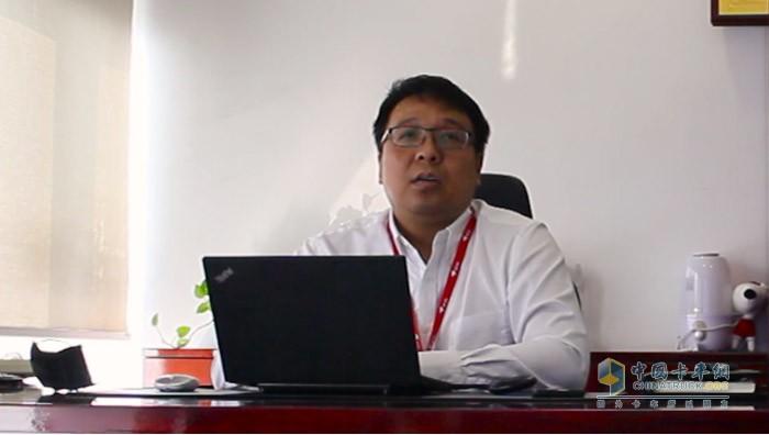 京东物流运输平台负责人边汀介绍京东物流为客户提供充足货源