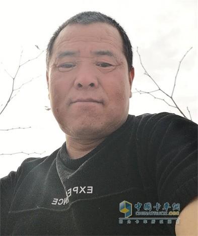 福田瑞沃ES3自卸车用户李秀忠