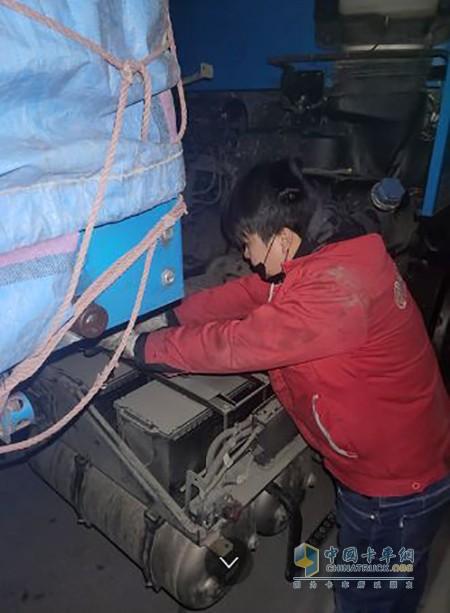 江苏东贸服务站凌晨抢修