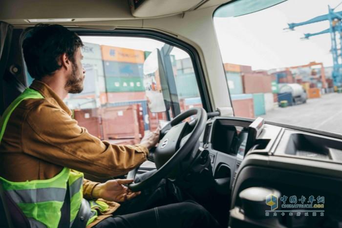 全新沃尔沃FM系列旨在成为适用于各个细分市场的绝佳移动工作场所