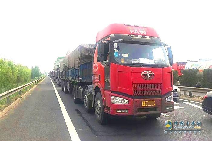 绍兴市开展柴油货车污染治理执法行动