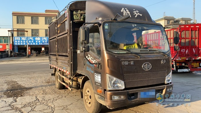李江的运输伙伴—解放J6F轻卡