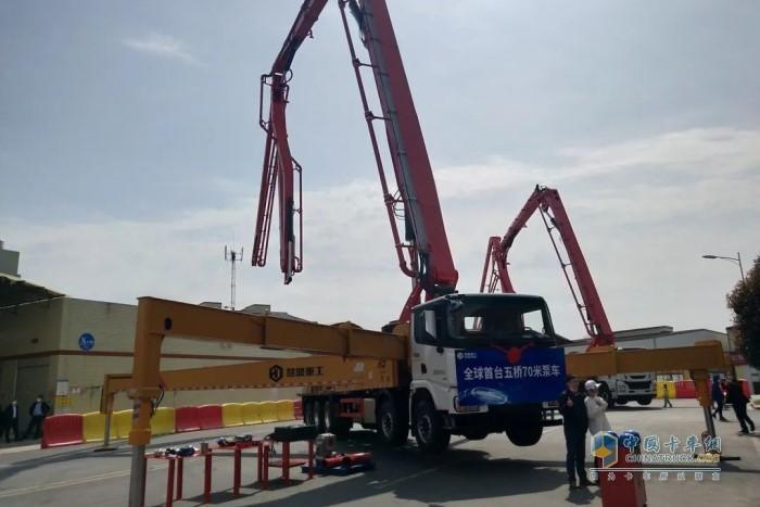 五桥70米泵车