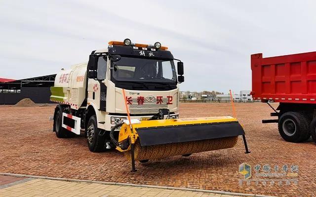 解放专用4×2多功能水罐除雪车