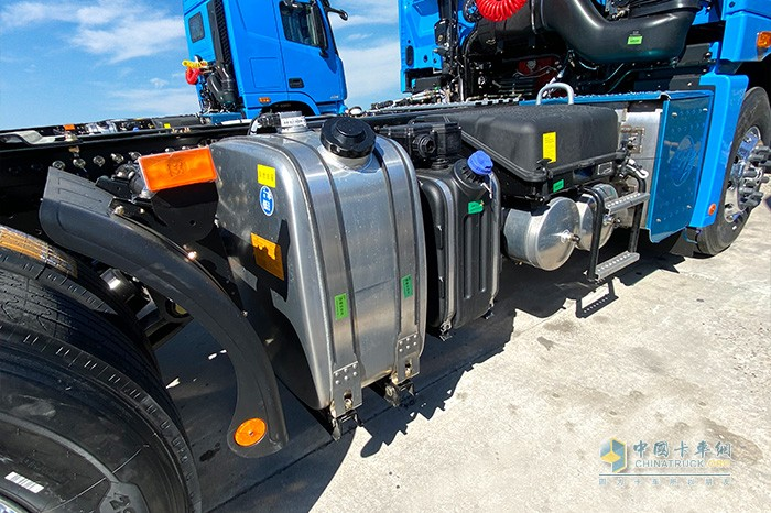 850L+150L的双腔油箱组合