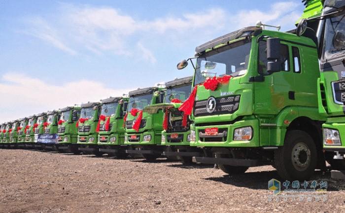 50台搭载潍柴国六黄金动力总成的渣土车交付