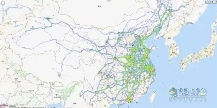 陕汽重卡针对全国主要物流干线运营车辆进行路况采集,通过天行健大数据分析,制定最优的动力匹配方案