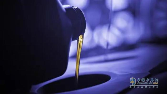 刹车油在整个过程中起到的是力传递的作用