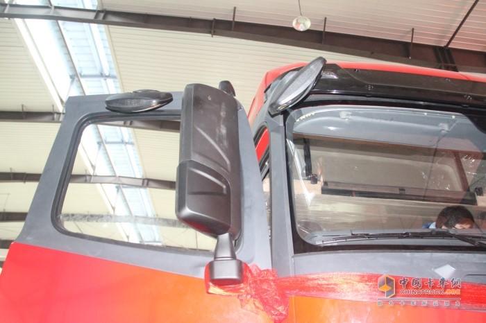 沪尊S200电动调节以及电加热功能后视镜