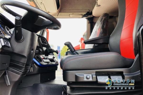 一汽解放青汽龙V载货定义车驾驶室