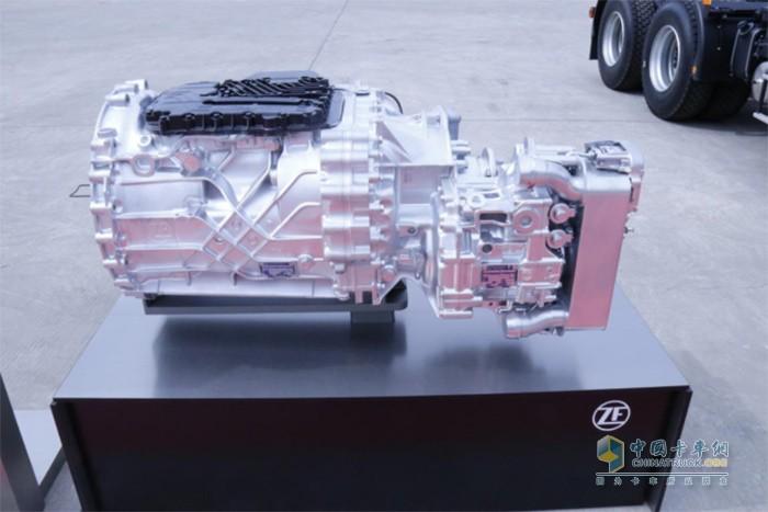 欧曼GTL 460马力牵引车搭载的ZF传胜变速箱