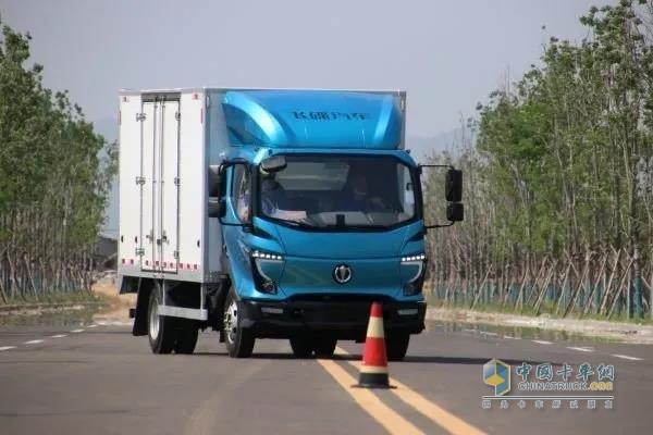 飞碟汽车W系列产品安全效能高