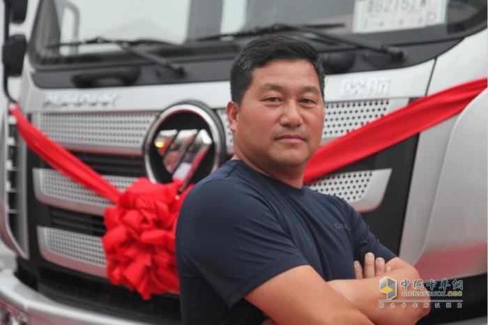 吴保宁:在上海海彪冷链物流公司担任车队总指挥