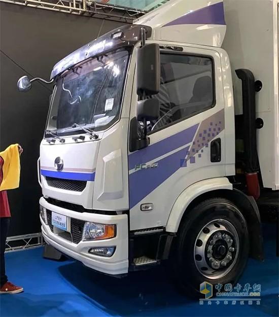 上汽轻卡FC500系列参加长江经济带氢能产业生态圈峰会