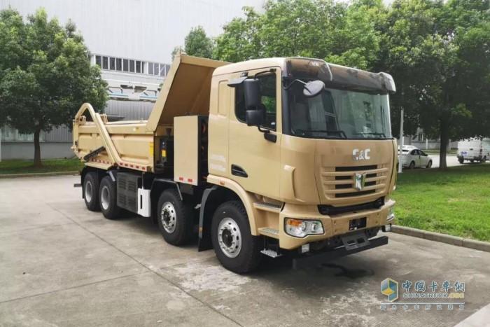 联合卡车8X4纯电动自卸车