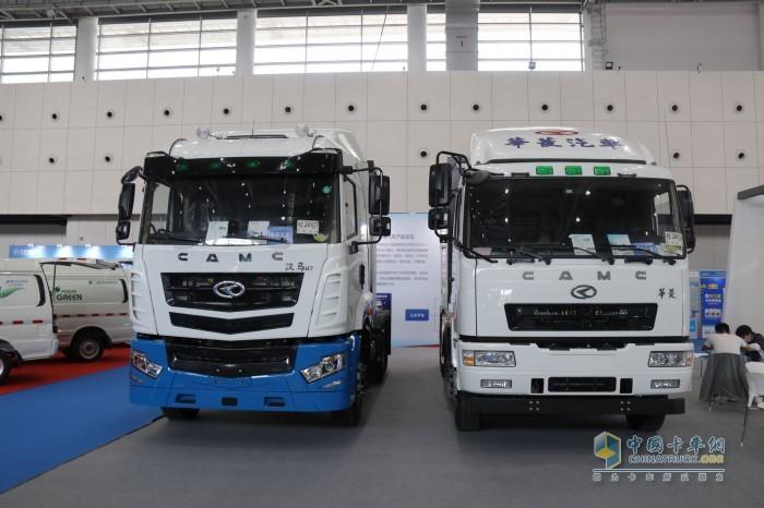 华菱汉马6×4汉马H7换电牵引车和华菱8×4换电搅拌运输车
