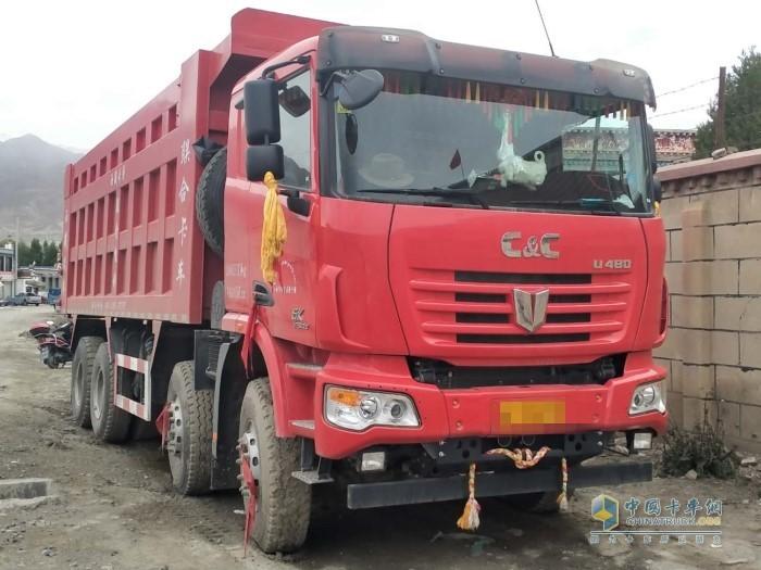 联合卡车U系 480马力自卸车
