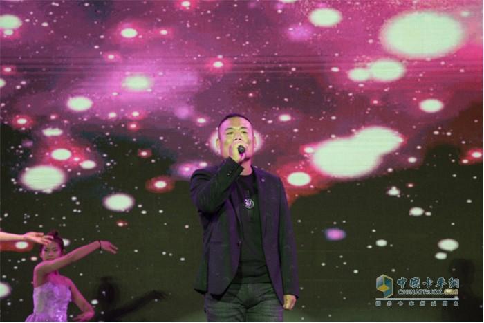 好声音选手:田敬伟 演唱歌曲《伤感的恋人》