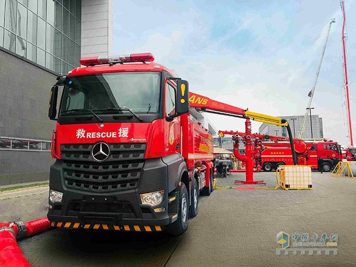 戴姆勒卡车服务中国消防事业近20年