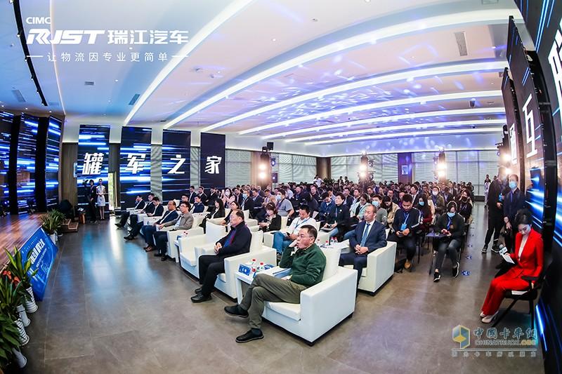罐军之家APP的成功上线是中集瑞江聚焦创新营销的一次全新尝试。