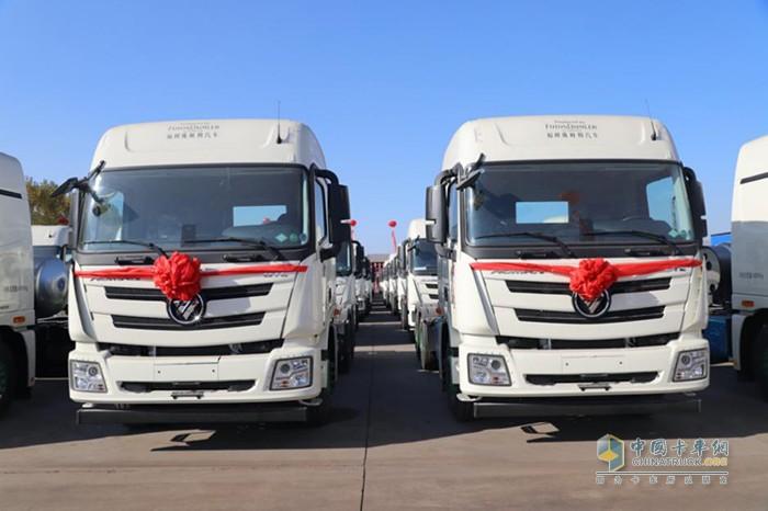 本次交付的全新一代欧曼国六LNG重卡