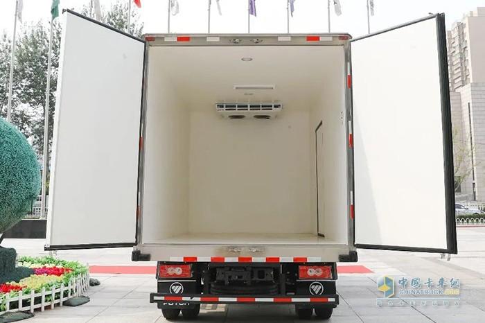 装配紫外线装置的欧马可S1超级轻卡冷藏车货箱