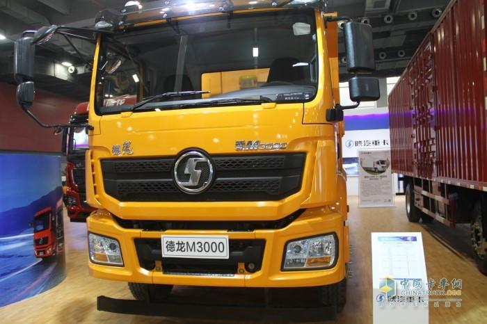 德龙新M3000环保渣土自卸车