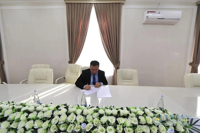 乌兹别克斯坦第一橡胶制品厂签约
