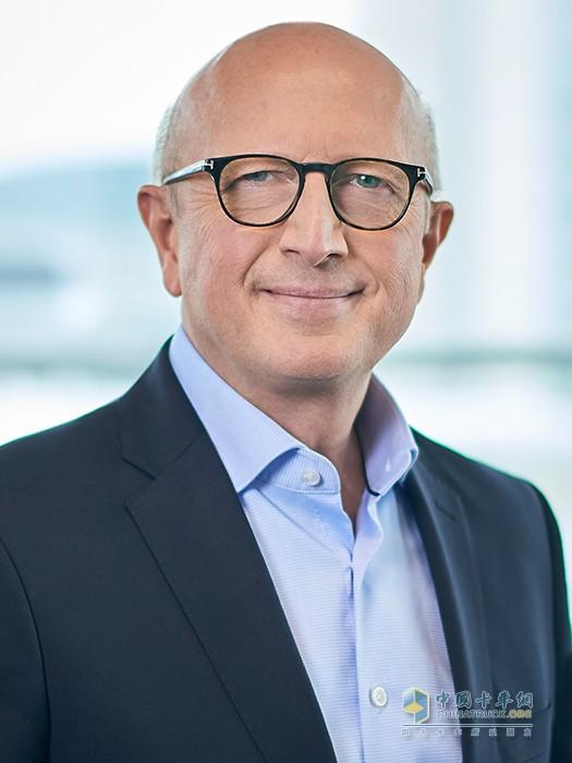 戴姆勒卡车股份公司董事会成员、产品工程和全球采购及中国区业务负责人安世昀(Sven-Ennerst)