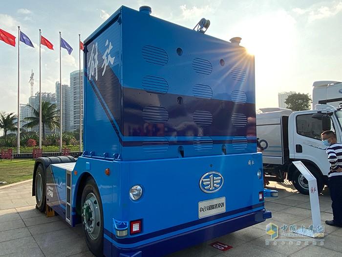 解放4×2 L4级智能港口牵引车