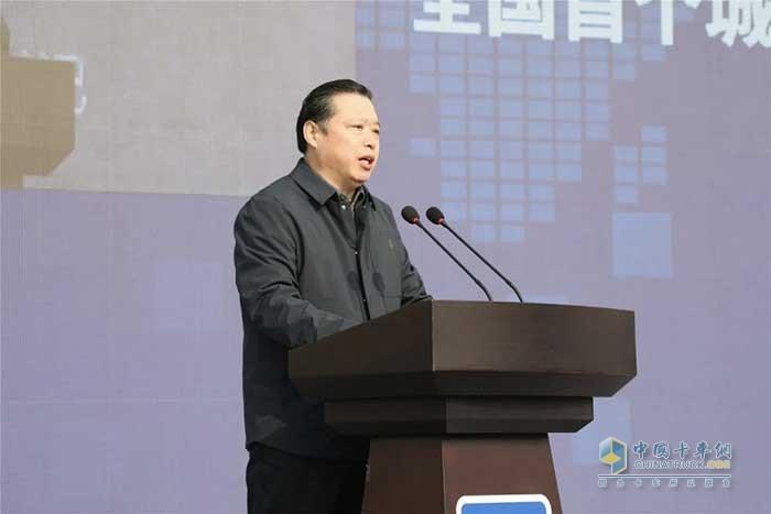 徐工集团董事长、党委书记邱成