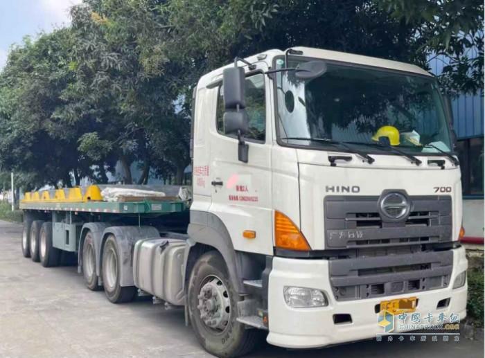 在陈生看来,广汽日野700重卡皮实耐用,适合运输钢材,出勤率很高