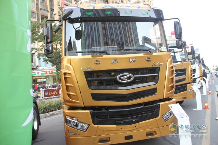 汉马H7 400马力牵引车