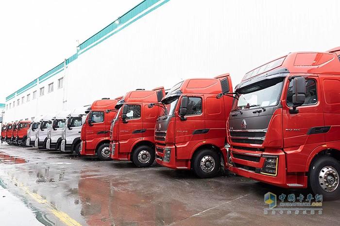 中国重汽集团年产销商用车突破50万辆