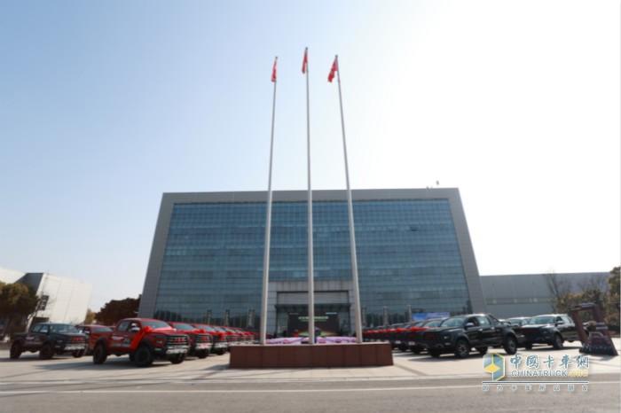 坐落于扬州的江淮皮卡生产工厂是堪称世界级的智能工厂