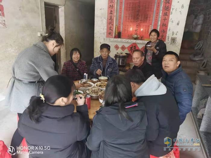 一汽解放青汽 春节烟火气