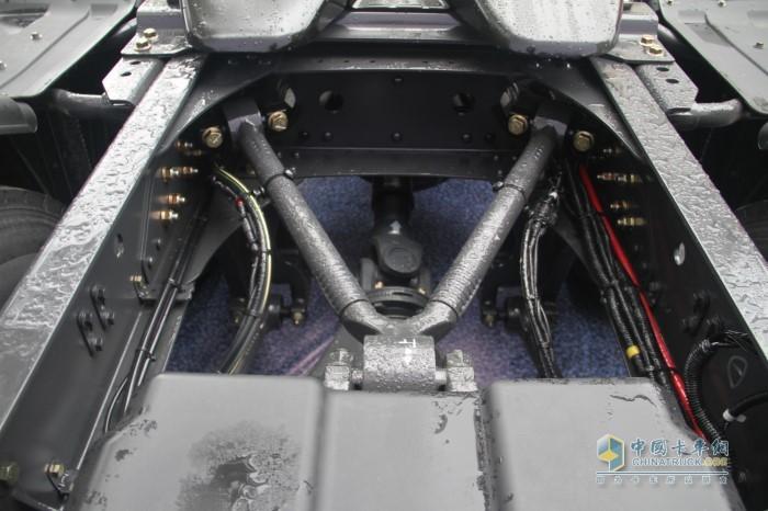 V型推力杆