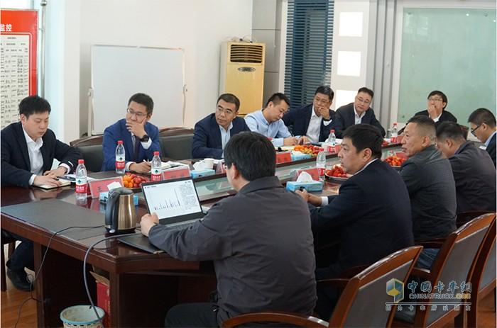 张松副总经理一行听取商丘区域经销商汇报