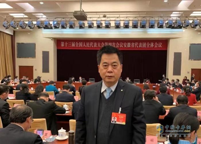 全国人大代表 ,汉马科技集团股份有限公司党委书记、总经理 刘汉如参与十三届全国人大四次会议