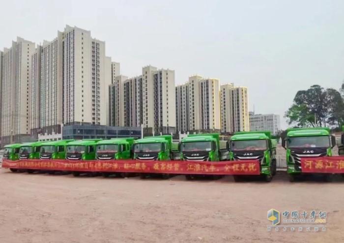 首批交付36辆江淮格尔发K5城市渣土工程车