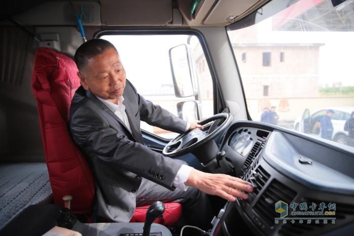 李焕福体验解放55周年纪念版J6