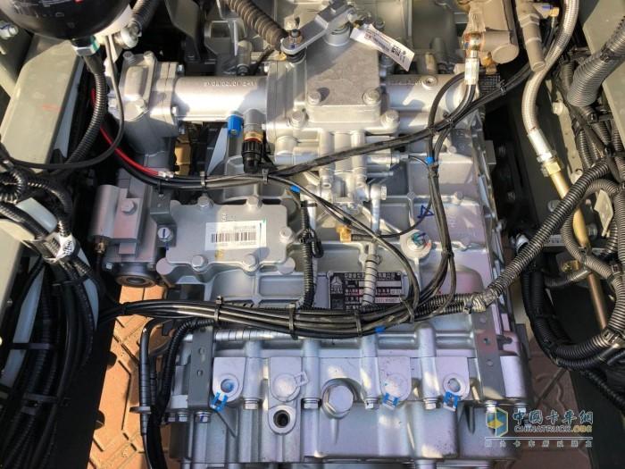 重汽HW系列12挡手动变速箱