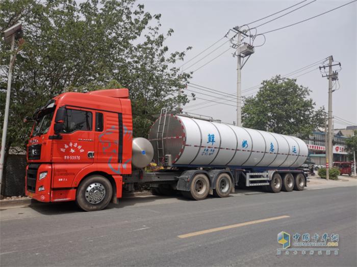 中国重汽  汕德卡燃气版