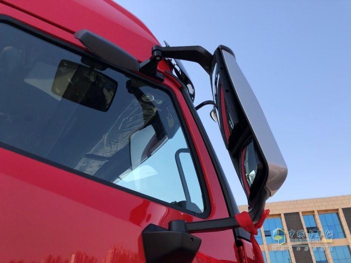 豪沃N7W牵引车后视镜